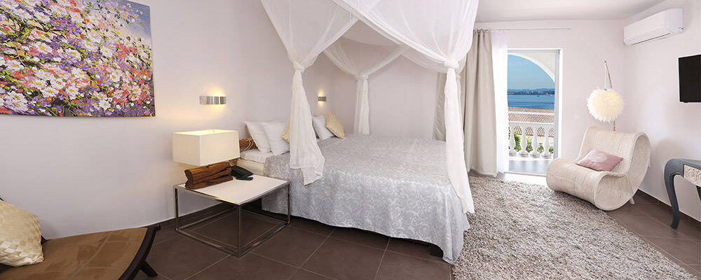 accommodation-two-bedroomed-suite-sea-view-intro