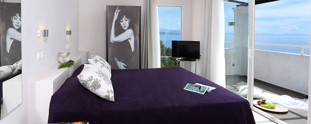 accommodation-two-bedroomed-suite-superior-sea-view-intro